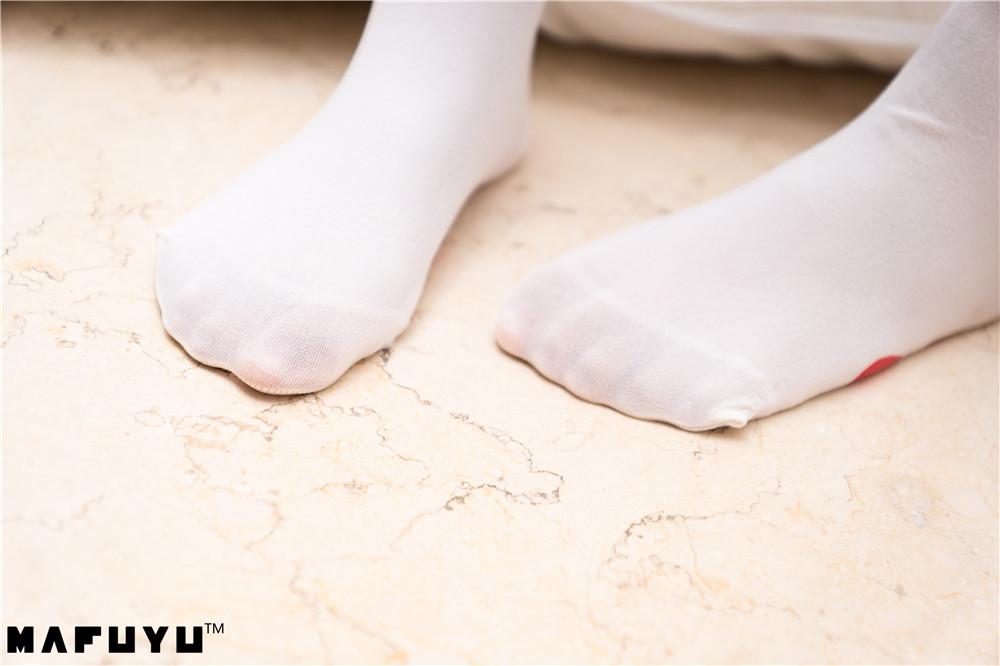 神乐坂真冬-猫爪白丝系列[99P1V-1.19G]