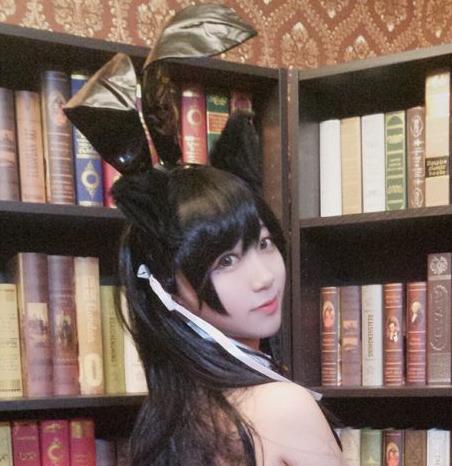 黑川-爱宕兔女郎cos 性感黑丝比基尼[18P]