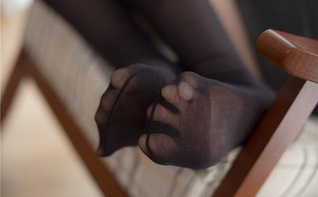 [森萝财团]X-018 黑丝袜短高跟素雅连衣裙写真集[132P1V/1.7G]