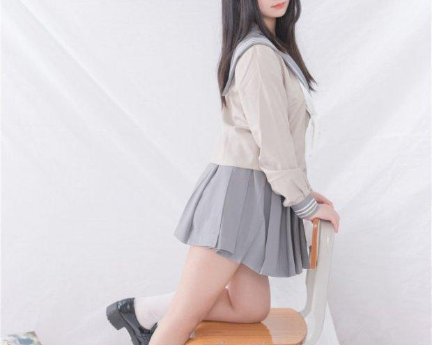 [轻兰映画] Grand.008 美代Miyo 灰色JK水手服白色短袜小皮鞋小蓝胖次[81P/422M]