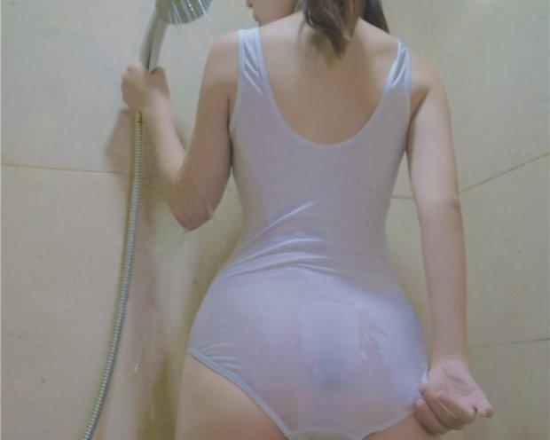 御子Yumiko-半裸衬衫口罩御子和她的白色死库水浴室[38P/218M]