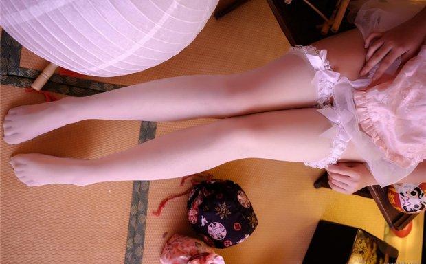 蜜汁猫裘-NO.029 中华娘正片 白丝镂空情趣旗袍[35P]