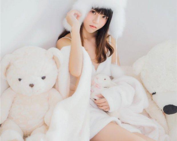 桜桃喵-冬眠系列 纯白吊带[38P-318M]