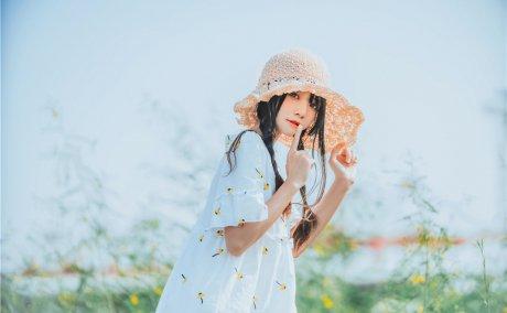 桜桃喵-田野草帽少女[29P-289M]
